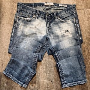 Day trip Straight Leg Distressed Jeans